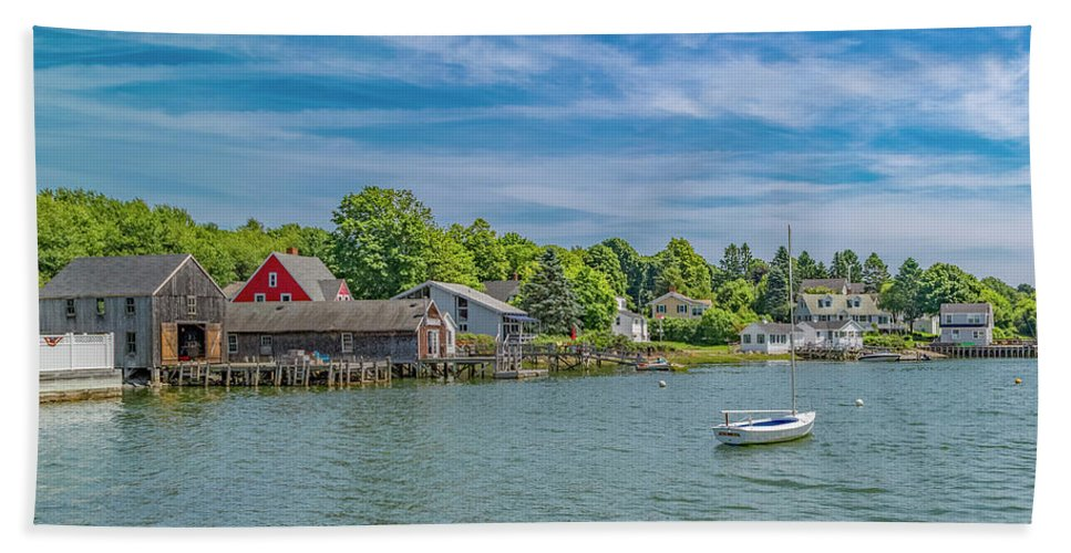 Kennebunkport Beach Towel featuring the photograph Tranquil by Betsy Knapp