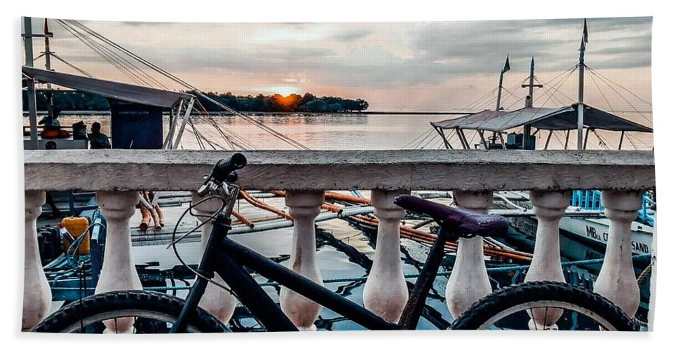 Bike Beach Towel featuring the photograph Traveller's point by Dynz Abejero
