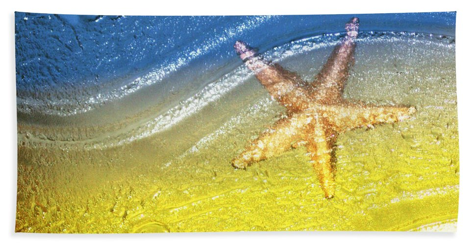 Starfish Beach Towel featuring the photograph Going With the Flow by Holly Kempe