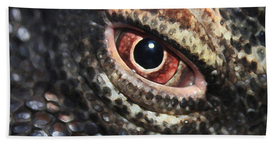 Komodo Dragon Beach Towel featuring the photograph Komodo Dragon Eye by Linda Sannuti