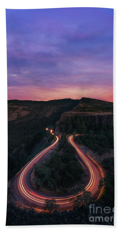 Rowena Crest Beach Towel featuring the photograph Rowena Crest Horseshoe Bend Sunset by Michael Ver Sprill