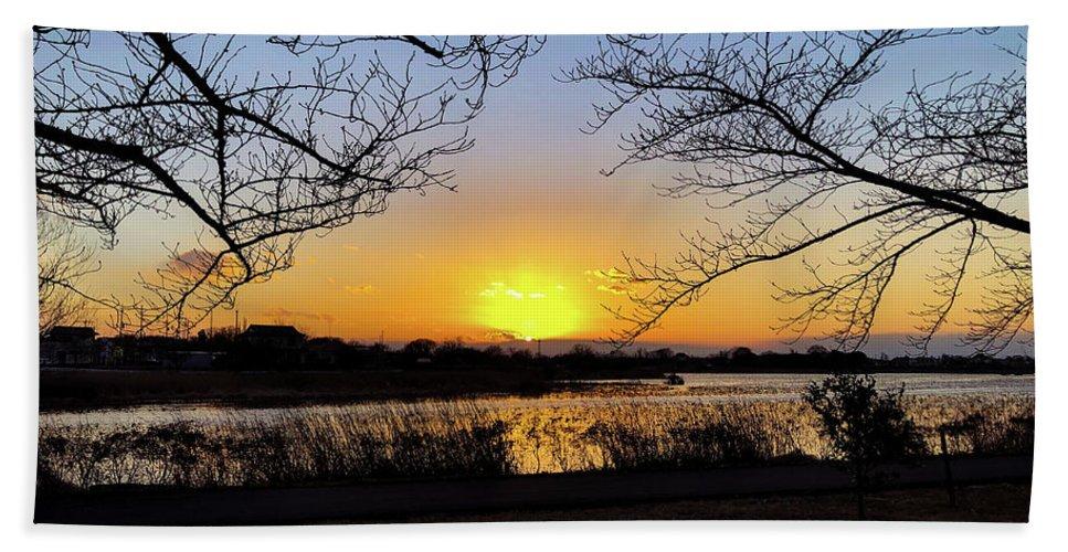 Sunset Beach Towel featuring the photograph Tatebayashi Sunset by Kiyoto Matsumoto