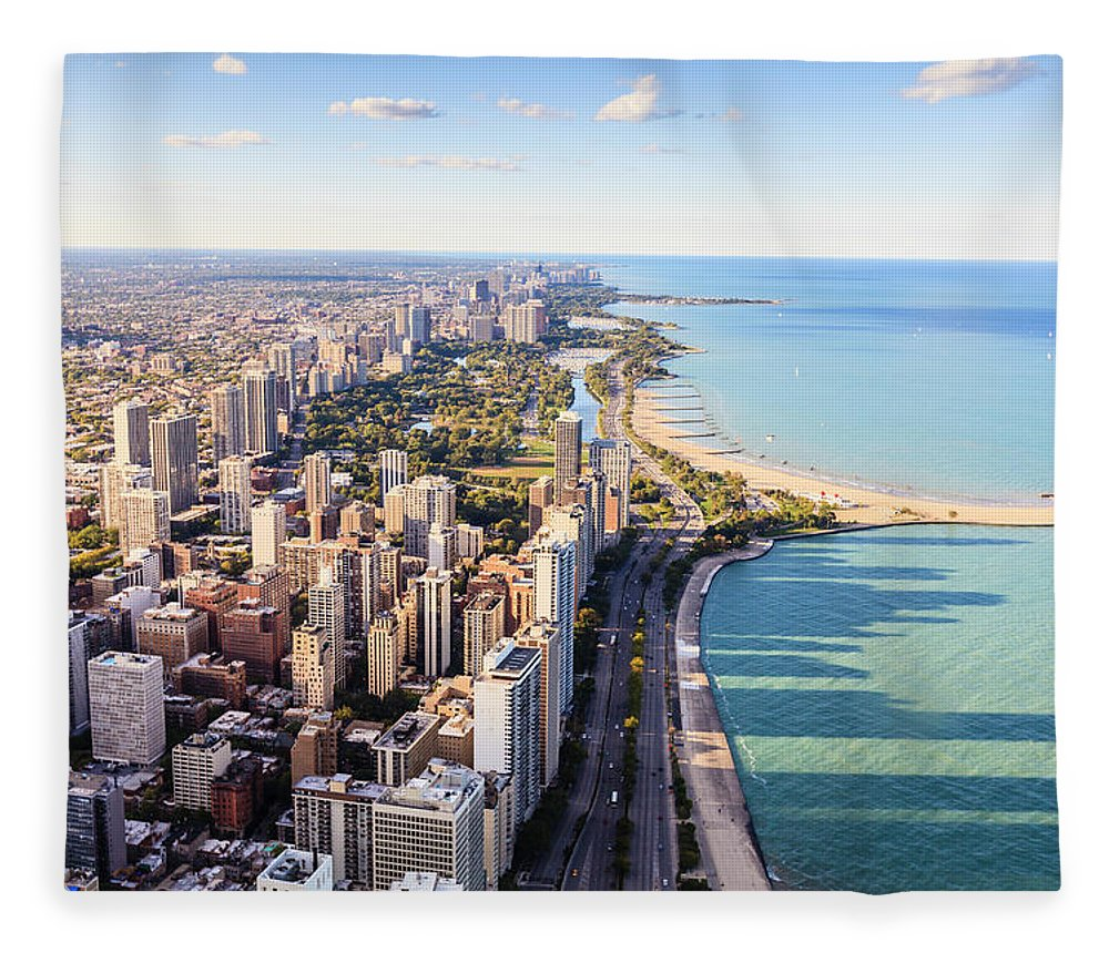 Water's Edge Fleece Blanket featuring the photograph Chicago Lakefront Skyline by Fraser Hall