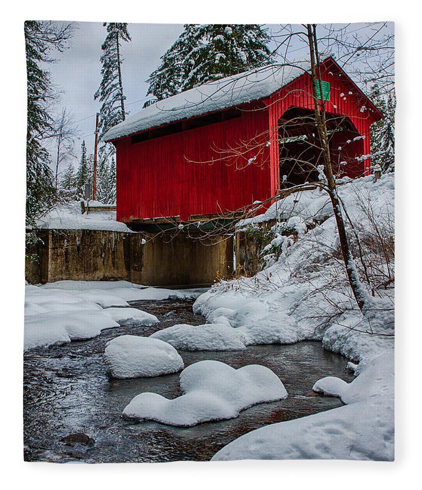 Covered Bridge Fleece Blanket featuring the photograph Vermonts Moseley Covered Bridge by Jeff Folger