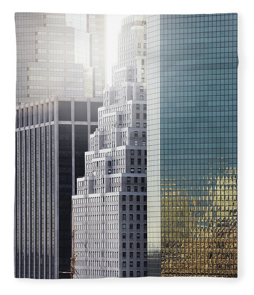 Tranquility Fleece Blanket featuring the photograph New York by Henrik Sorensen