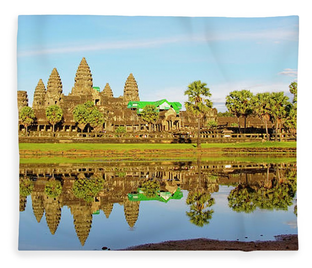 Tranquility Fleece Blanket featuring the photograph Angkor Wat by Photo By Ramón M. Covelo