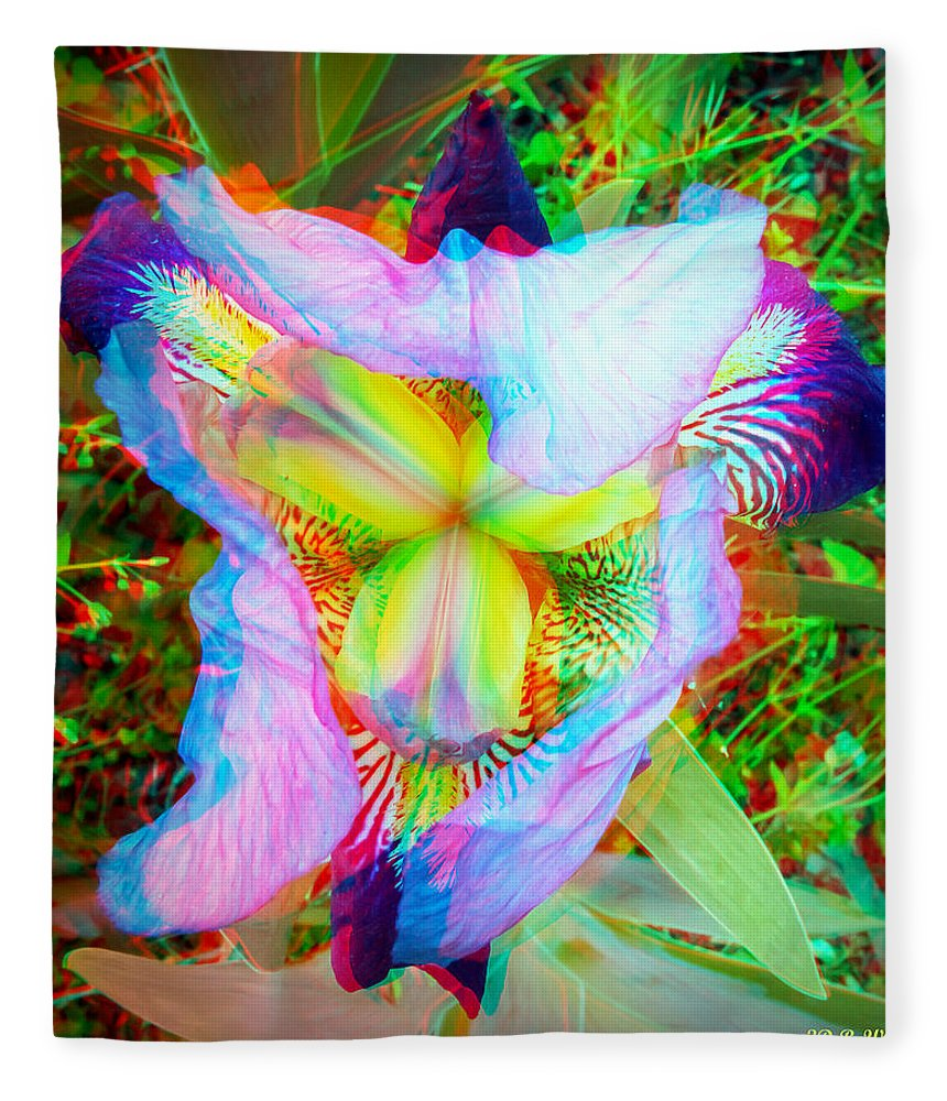 3d Fleece Blanket featuring the photograph Bearded Iris Cultivar - Use Red-cyan 3d Glasses by Brian Wallace