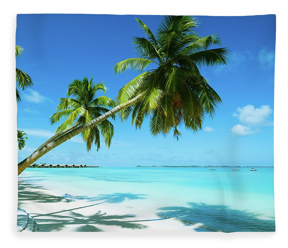 Water's Edge Fleece Blanket featuring the photograph Beautiful Beach Resort by Phototalk