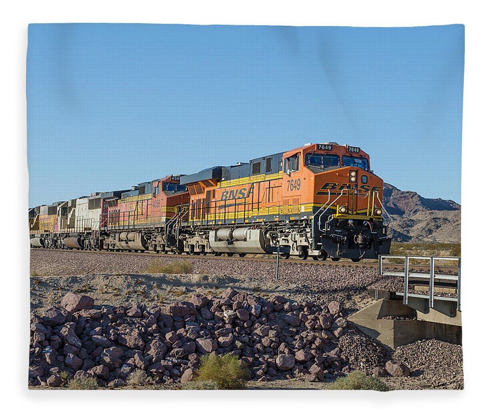 Bnsf Fleece Blanket featuring the photograph Bnsf 7649 by Jim Thompson