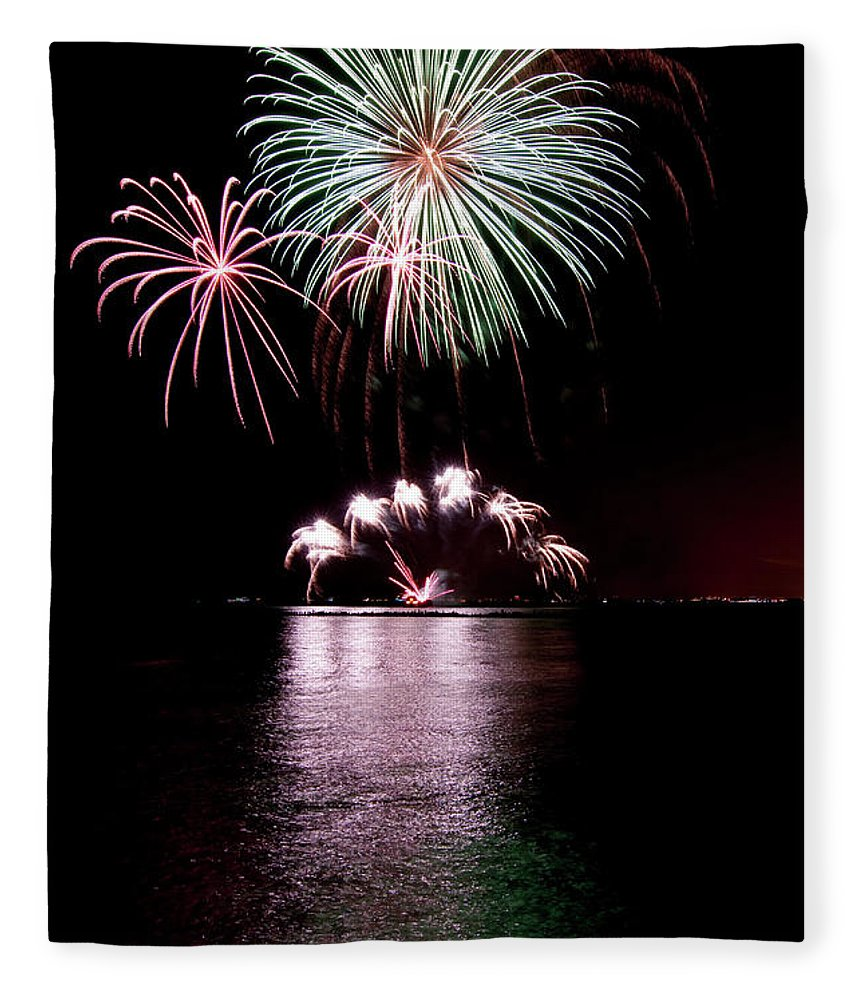 Lake Michigan Fleece Blanket featuring the photograph Chicago Fireworks by 400tmax