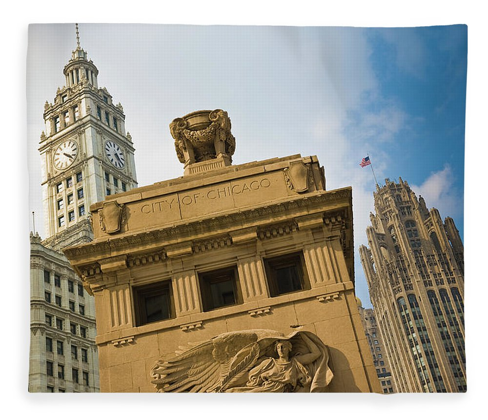 Relief Carving Fleece Blanket featuring the photograph Chicago by Jmsilva