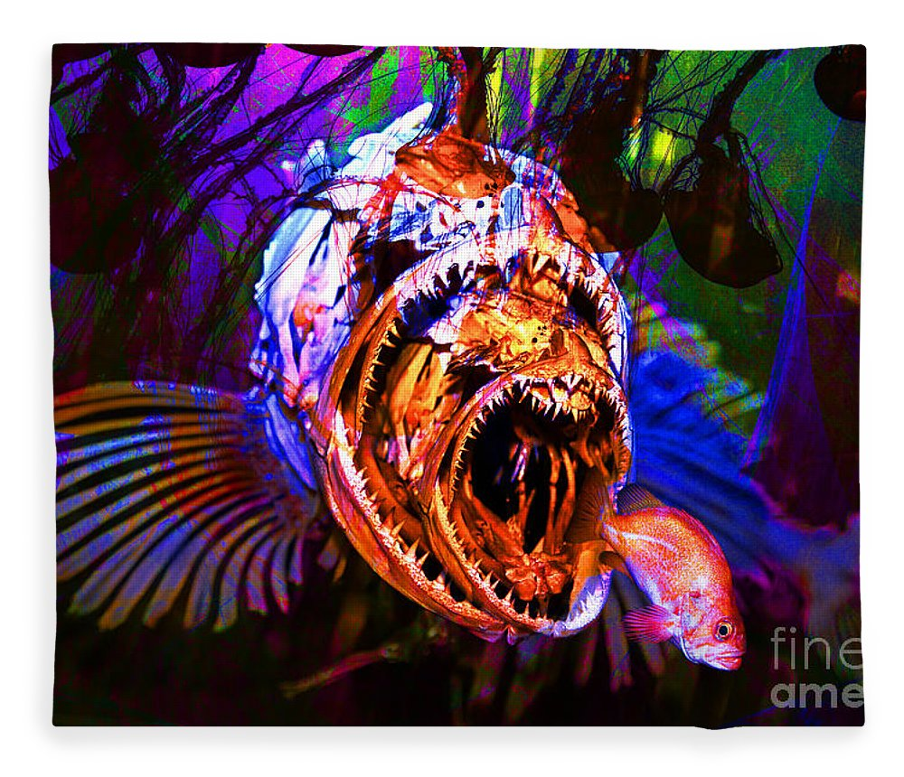 Jelly Fleece Blanket featuring the photograph Creatures Of The Deep - Fear No Fish 5d24799 by Wingsdomain Art and Photography