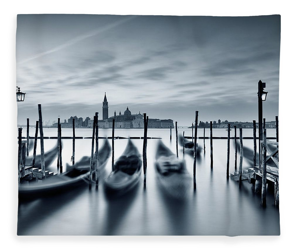 Dawn Fleece Blanket featuring the photograph Dawn In Venice by Mammuth