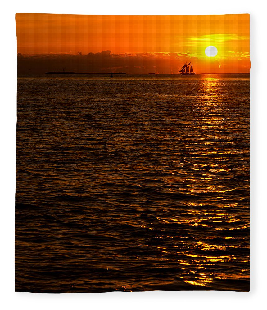 Sunset Fleece Blanket featuring the photograph Glimmer by Chad Dutson