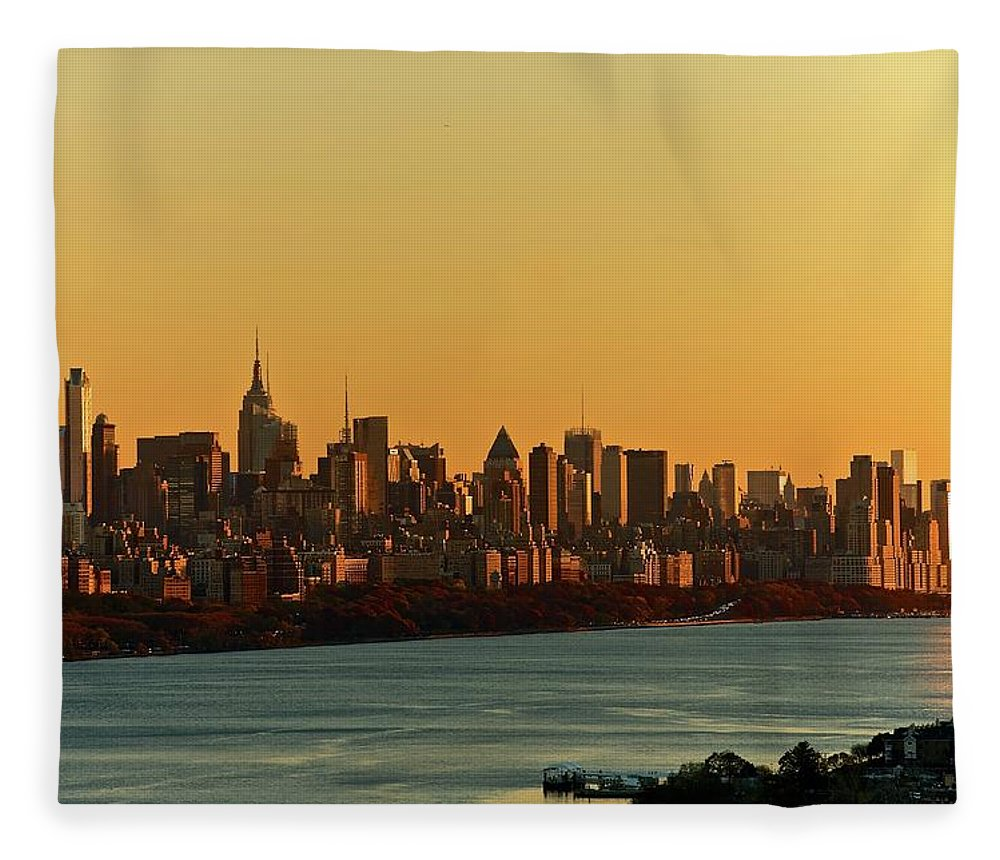Tranquility Fleece Blanket featuring the photograph Golden Sunset On Nyc Skyline by Robert D. Barnes