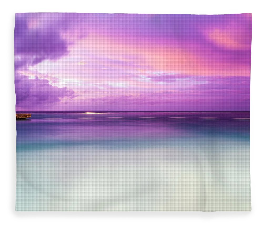 Scenics Fleece Blanket featuring the photograph Infinity Pool, Uluwatu, Bali by John Harper