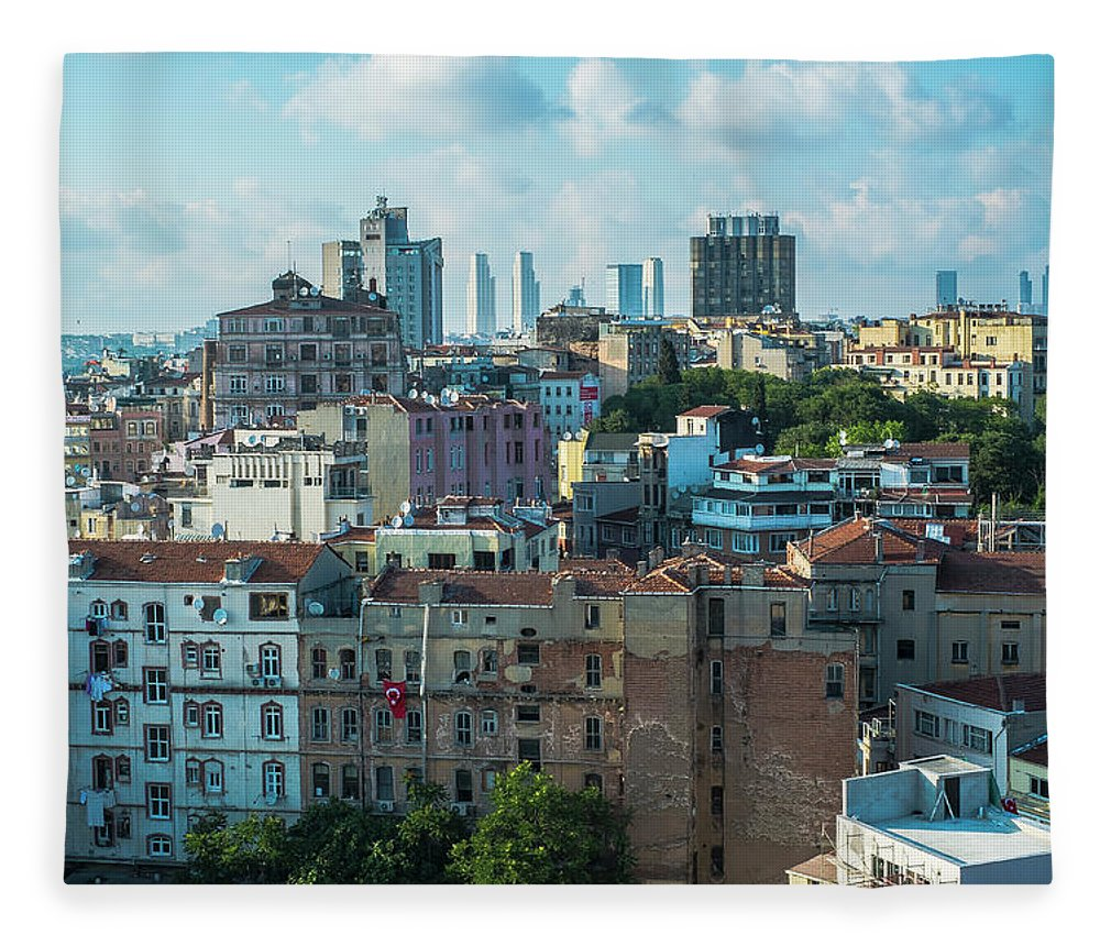 Tranquility Fleece Blanket featuring the photograph Istanbul by Picture By Hamoon Nasiri