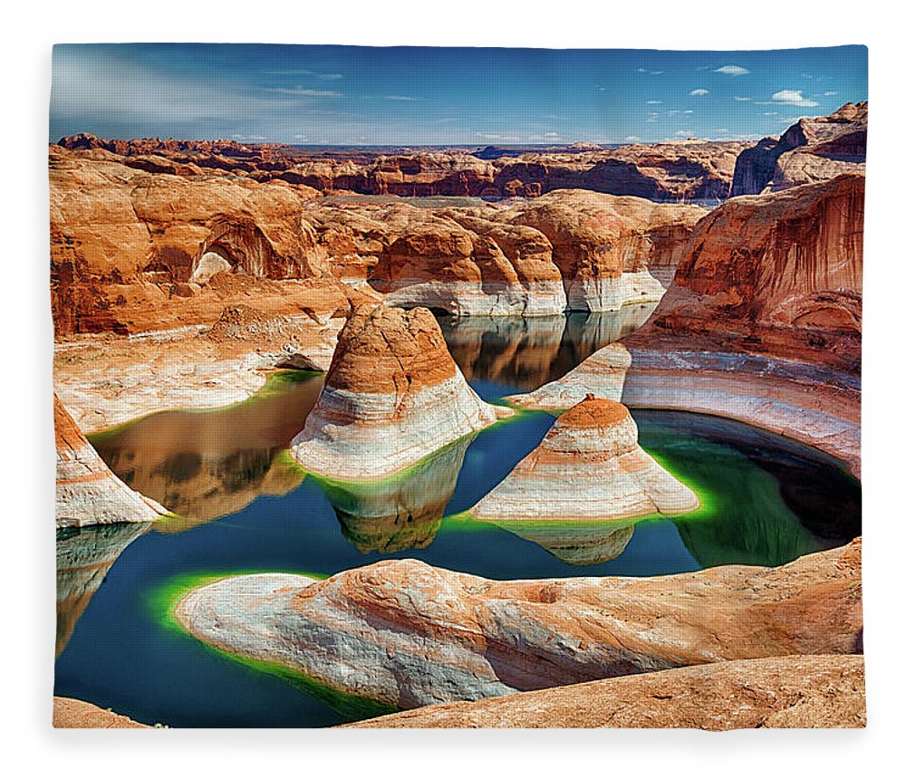 Tranquility Fleece Blanket featuring the photograph Lake Powell by Chen Su