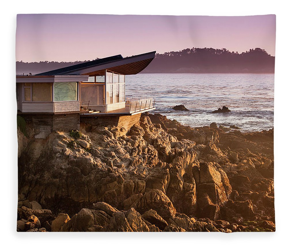 Water's Edge Fleece Blanket featuring the photograph Luxury Home Overlooks The Big Sur by Pgiam