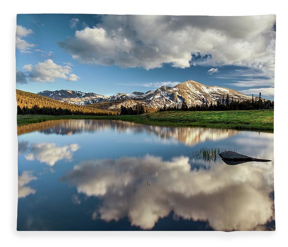 Scenics Fleece Blanket featuring the photograph Mammoth Peak Reflection by Tom Grubbe