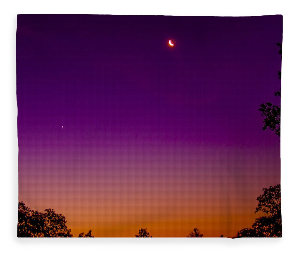 Venus Fleece Blanket featuring the photograph Moonrise Over Venus by G Matthew Laughton