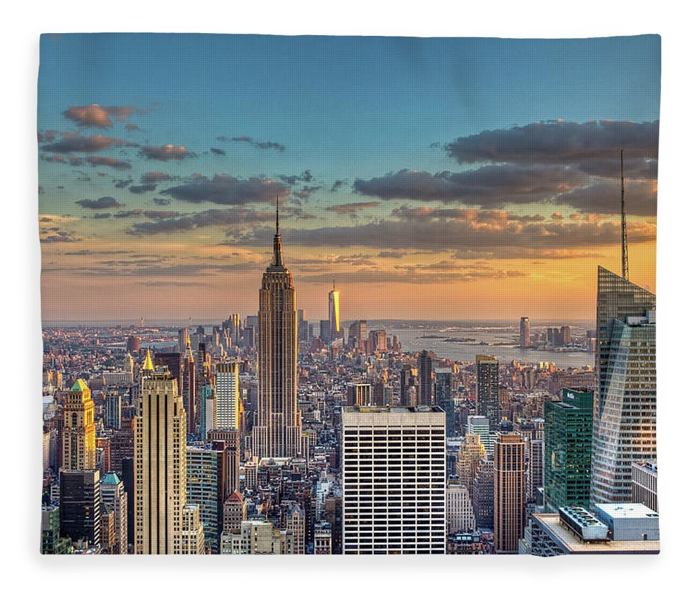 Tranquility Fleece Blanket featuring the photograph New York Skyline Sunset by Basic Elements Photography
