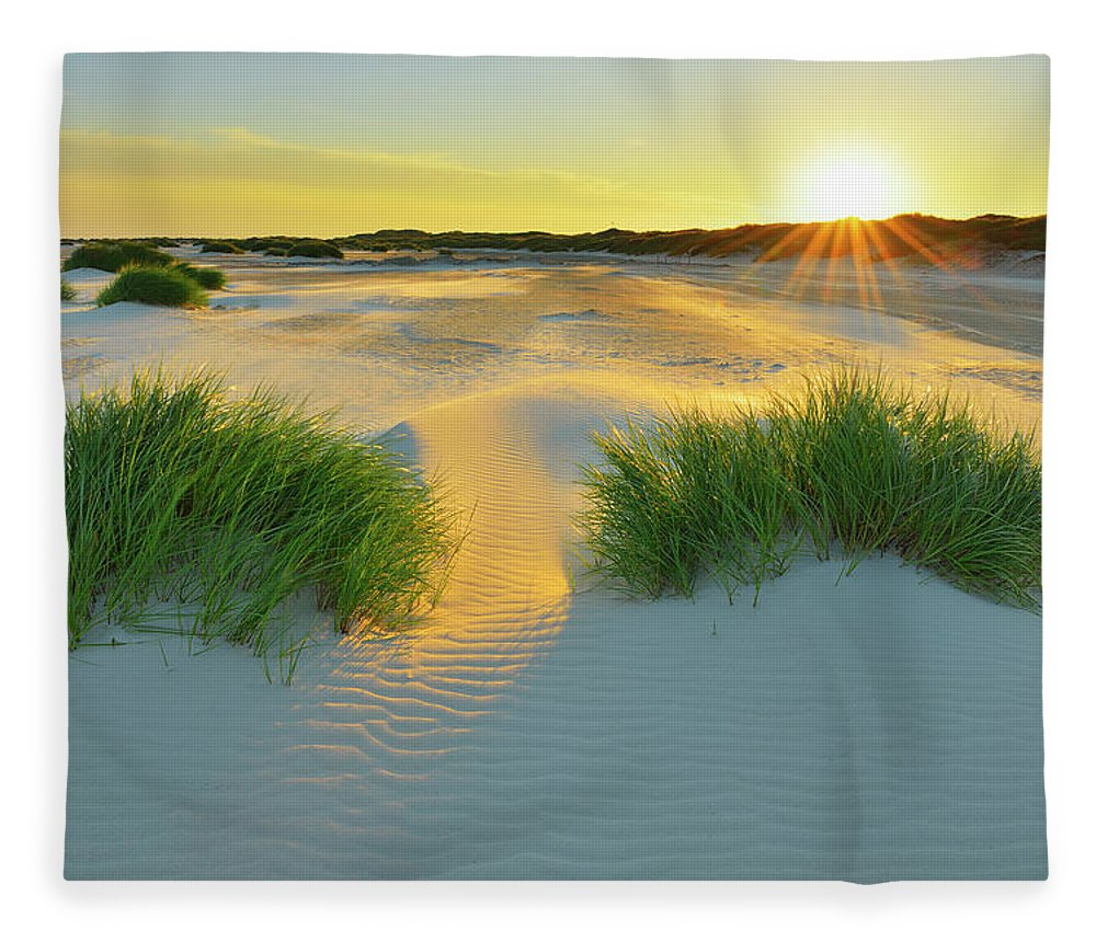 Scenics Fleece Blanket featuring the photograph North Sea Sandbank Kniepsand by Raimund Linke