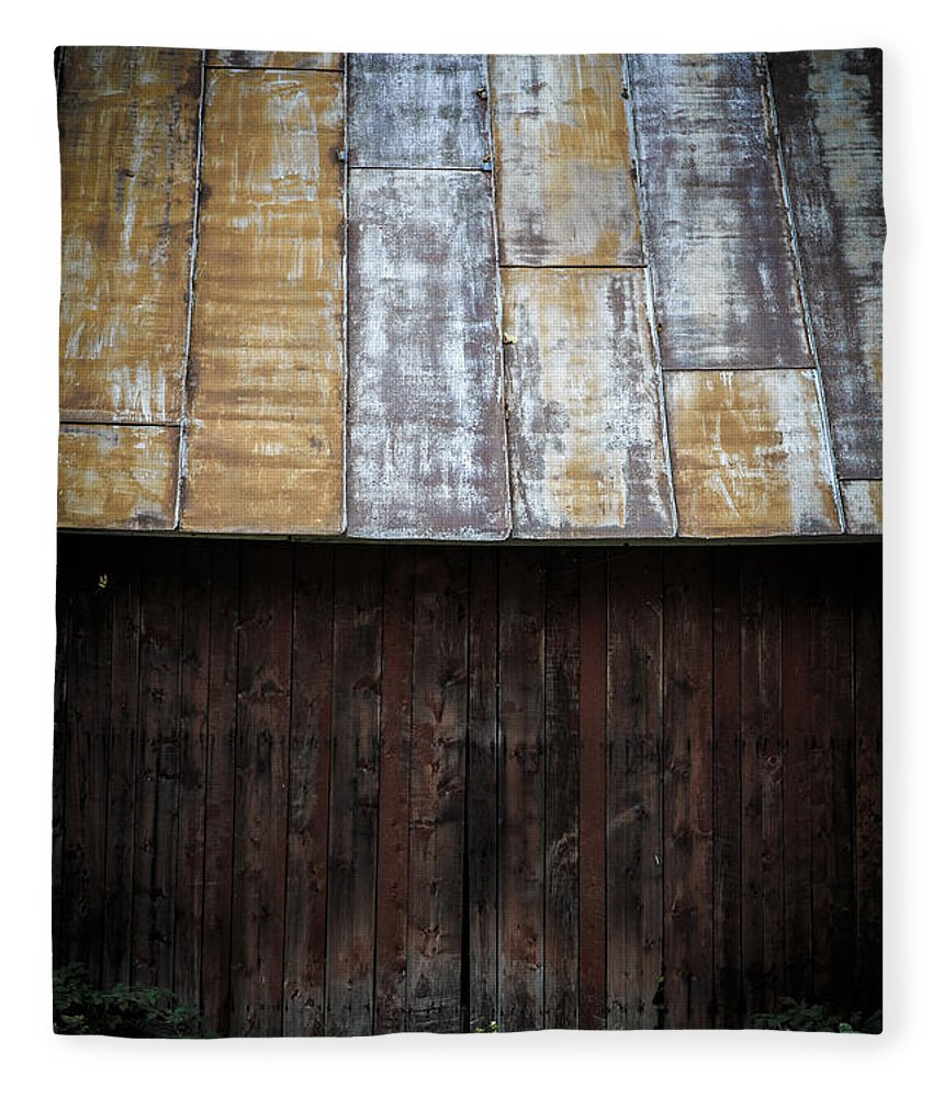 Vermont Fleece Blanket featuring the photograph Old Rusty Tin Roof Barn by Edward Fielding