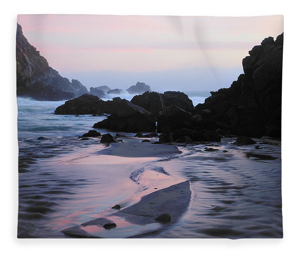 Water's Edge Fleece Blanket featuring the photograph Pfeiffer Beach Rocks, Purple Sand And by Terryfic3d