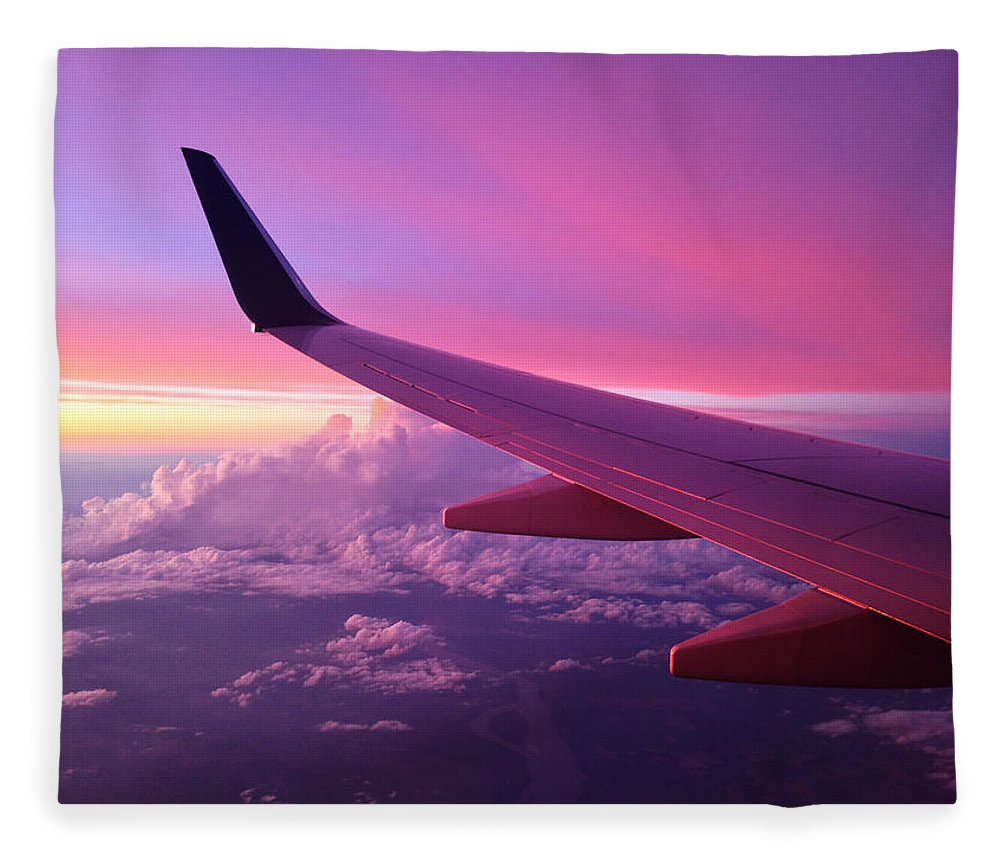 Pink Fleece Blanket featuring the photograph Pink Flight by Chad Dutson