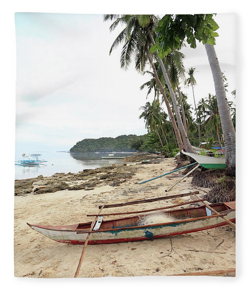 Water's Edge Fleece Blanket featuring the photograph Ready To Fishing by Vuk8691