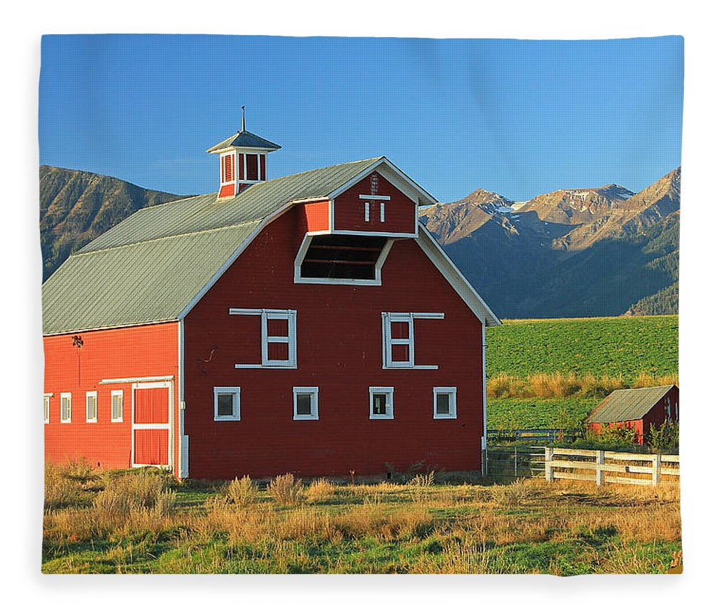 Fall Colors Fleece Blanket featuring the photograph Dn5939-red Barn In The Wallowas by Ed Cooper Photography