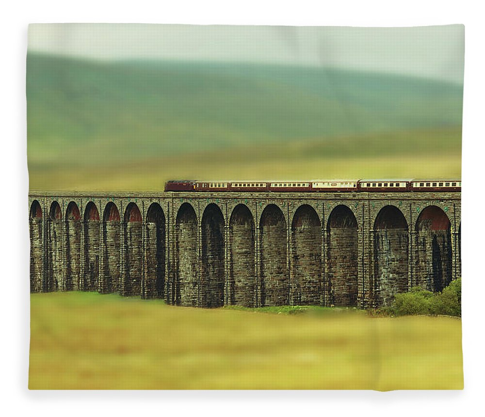 Arch Fleece Blanket featuring the photograph Ribblehead by Jon Parkes Photography