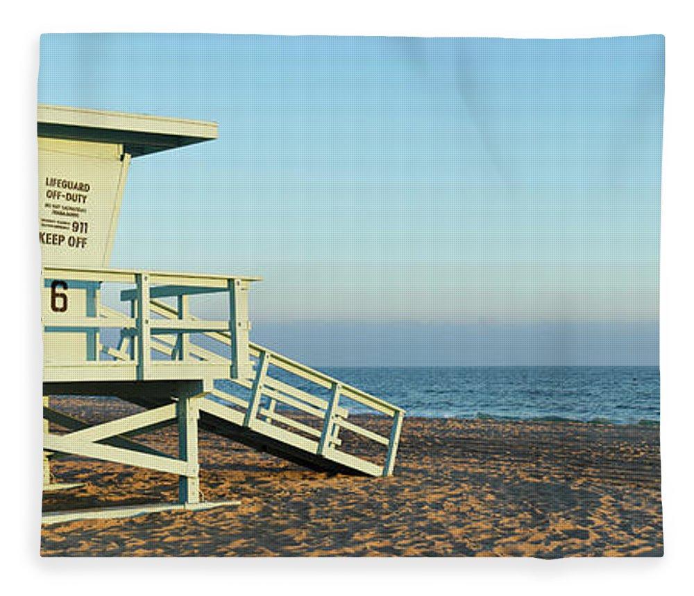 Water's Edge Fleece Blanket featuring the photograph Santa Monica Lifeguard Station by S. Greg Panosian