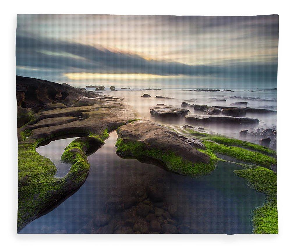 Scenics Fleece Blanket featuring the photograph Seascape Bali by Www.tonnaja.com