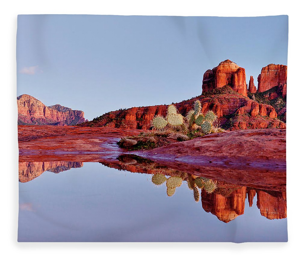 Scenics Fleece Blanket featuring the photograph Sedona Arizona by Dougberry