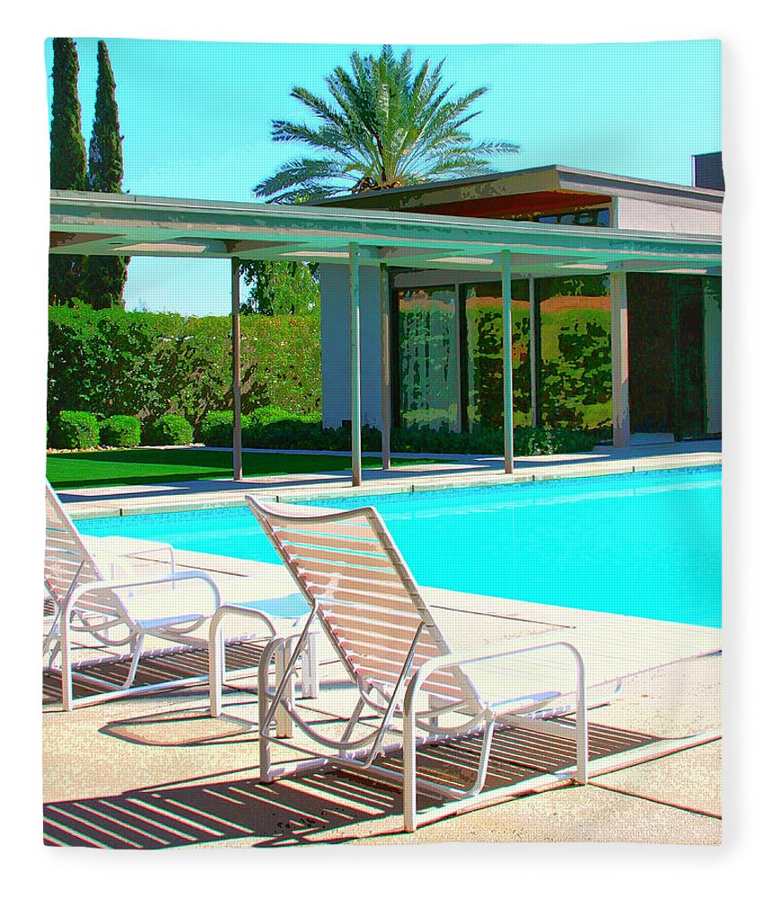 Sinatra House Fleece Blanket featuring the photograph Sinatra Pool Palm Springs by William Dey