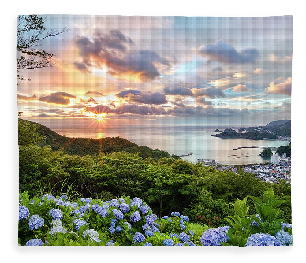 Tranquil Scene Fleece Blanket featuring the photograph Sunset At Hydrangea Hills by Tommy Tsutsui