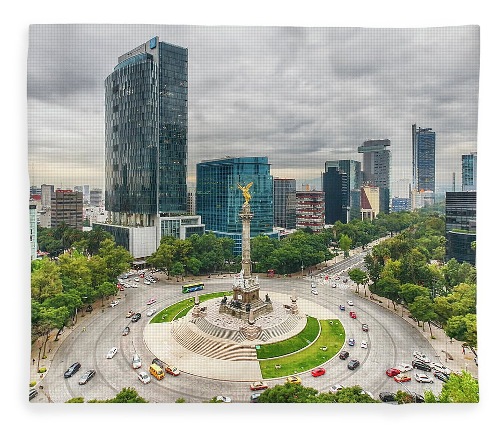 Mexico City Fleece Blanket featuring the photograph The Angel Of Independence, Mexico City by Sergio Mendoza Hochmann