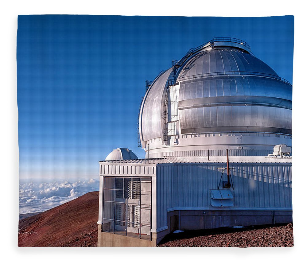 Buildings Fleece Blanket featuring the photograph The Gemini Observatory by Jim Thompson