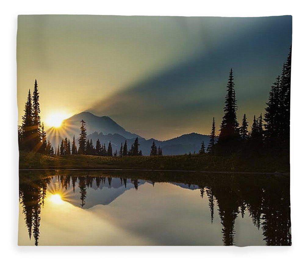 Rainier Fleece Blanket featuring the photograph Tipsoo Rainier Sunstar by Mike Reid