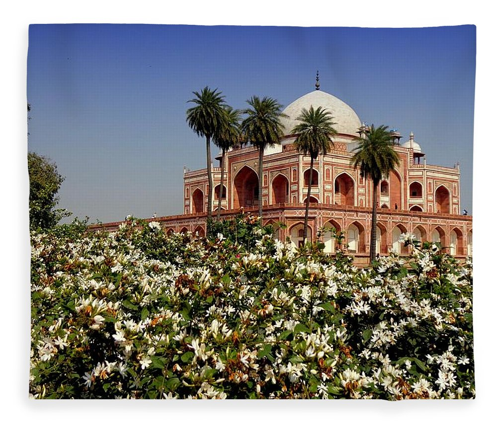 Tranquility Fleece Blanket featuring the photograph Tomb Of Humayun by Smit Sandhir