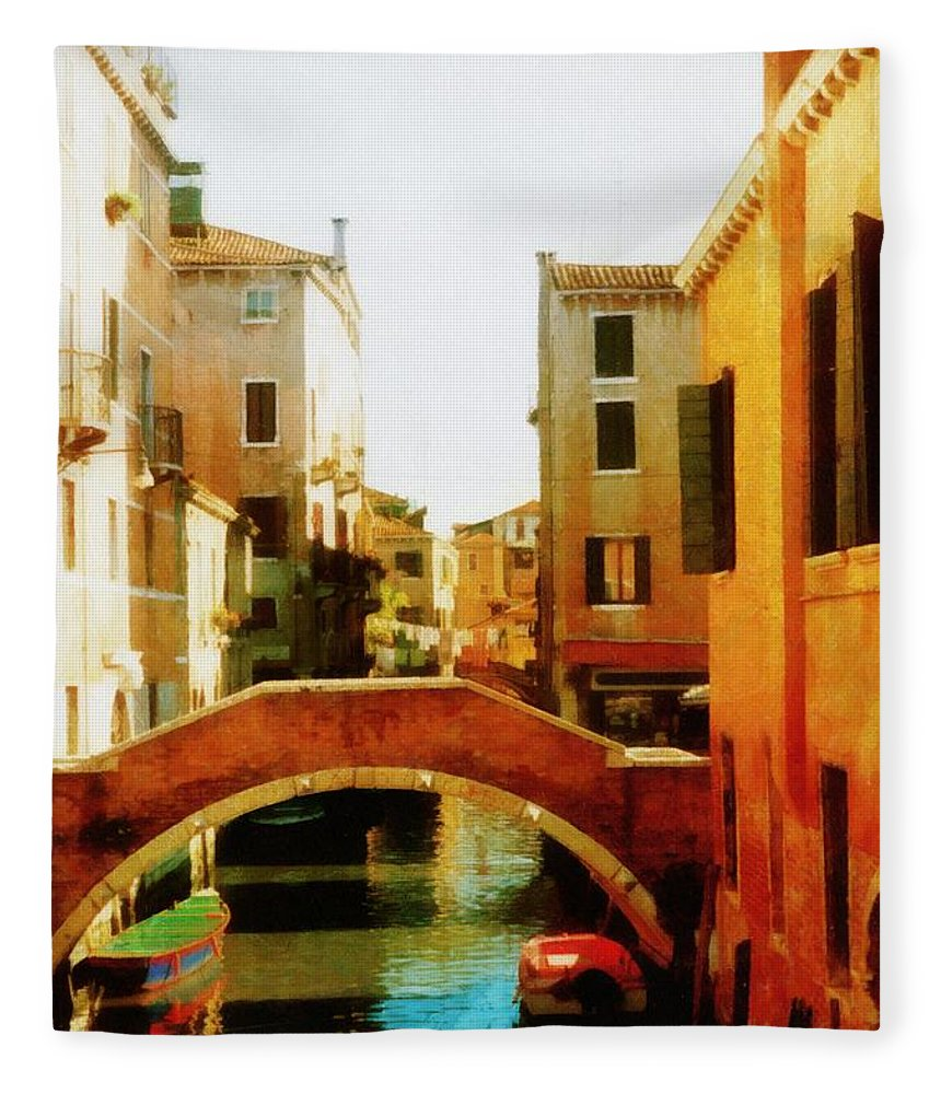 Venice Fleece Blanket featuring the photograph Venice Italy Canal With Boats And Laundry by Michelle Calkins