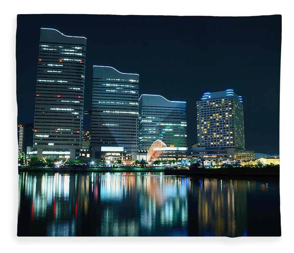Minato Mirai Fleece Blanket featuring the photograph Yokohama Minato-mirai by Kaoru Hayashi