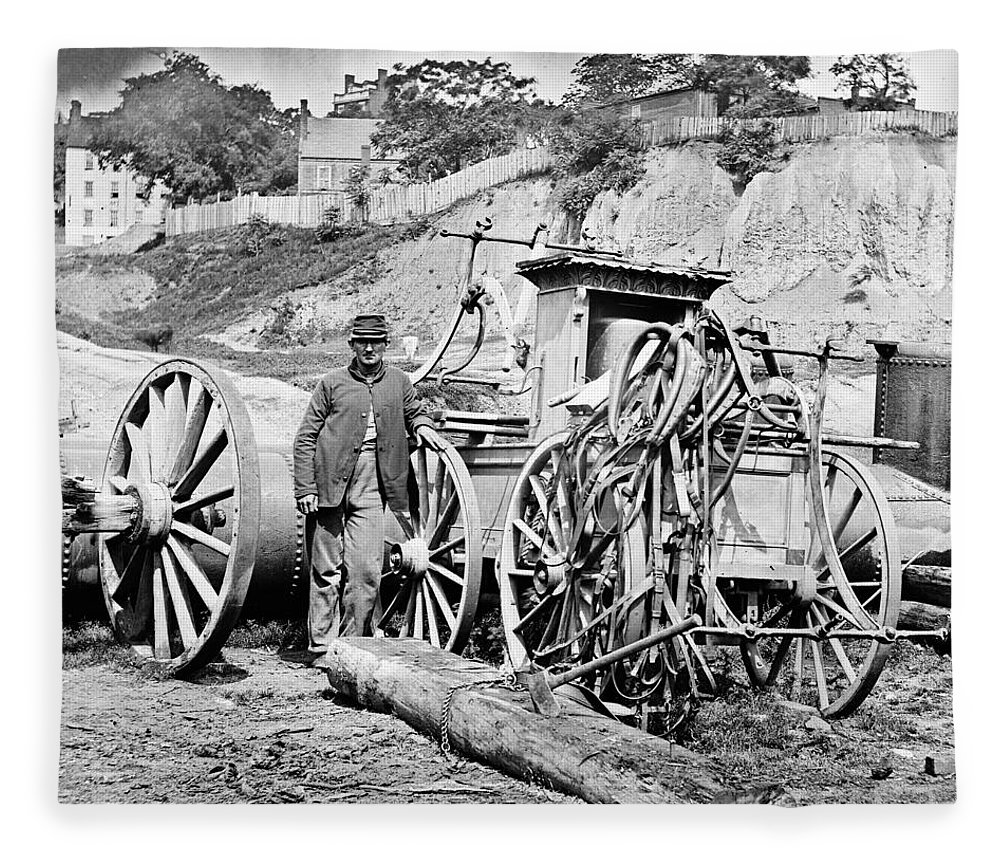 1865 Fleece Blanket featuring the photograph Civil War: Richmond, 1865 by Granger