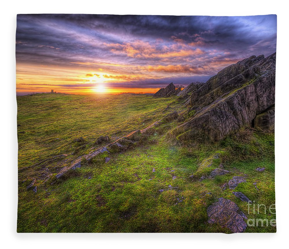 Art Fleece Blanket featuring the photograph Beacon Hill Sunrise 11.0 by Yhun Suarez
