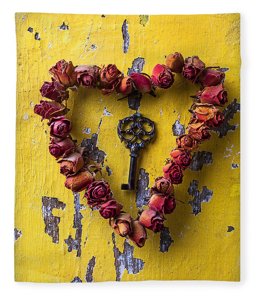 Love Rose Heart Wreath Key Fleece Blanket featuring the photograph Key To My Heart by Garry Gay