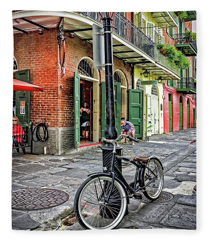Bike Fleece Blanket featuring the photograph Bike And Lamppost In Pirate's Alley by Kathleen K Parker