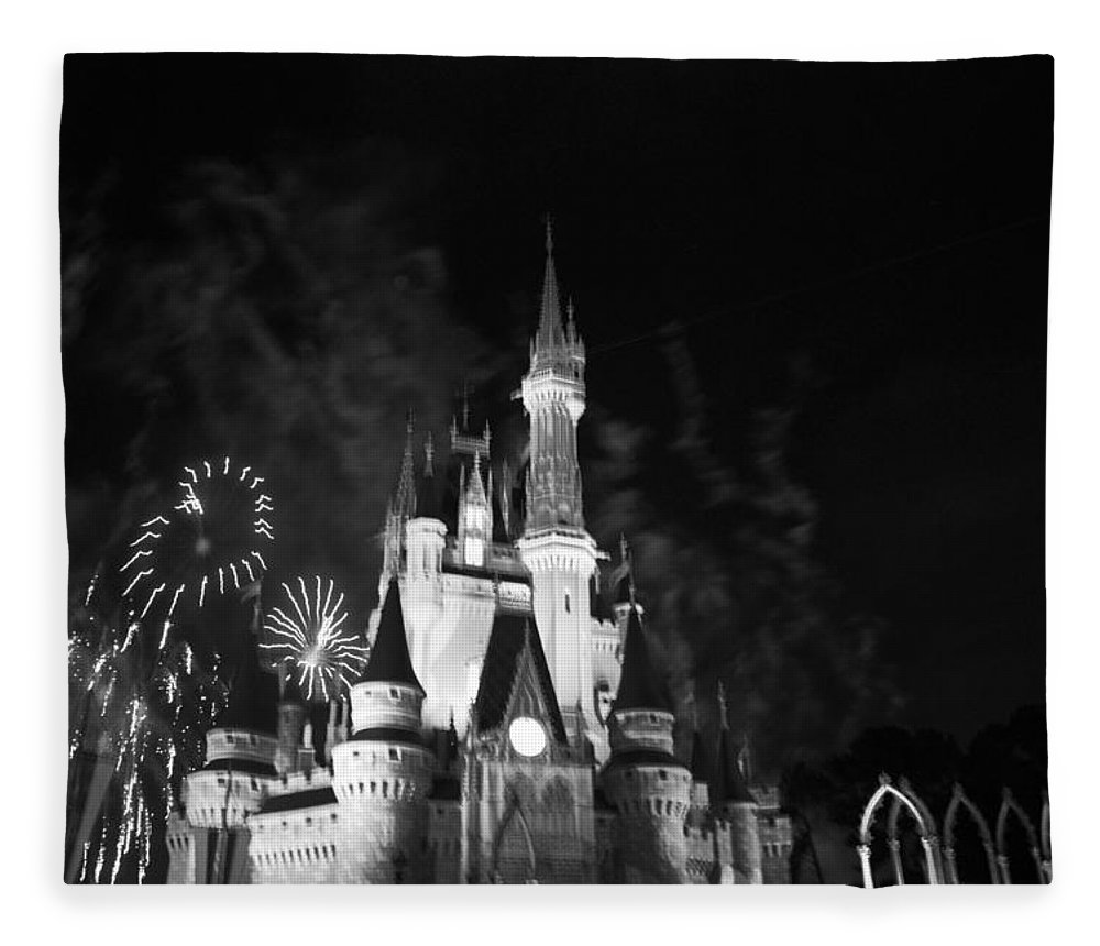 Walt Disney World Fleece Blanket featuring the photograph Cinderella Castle by Rob Hans