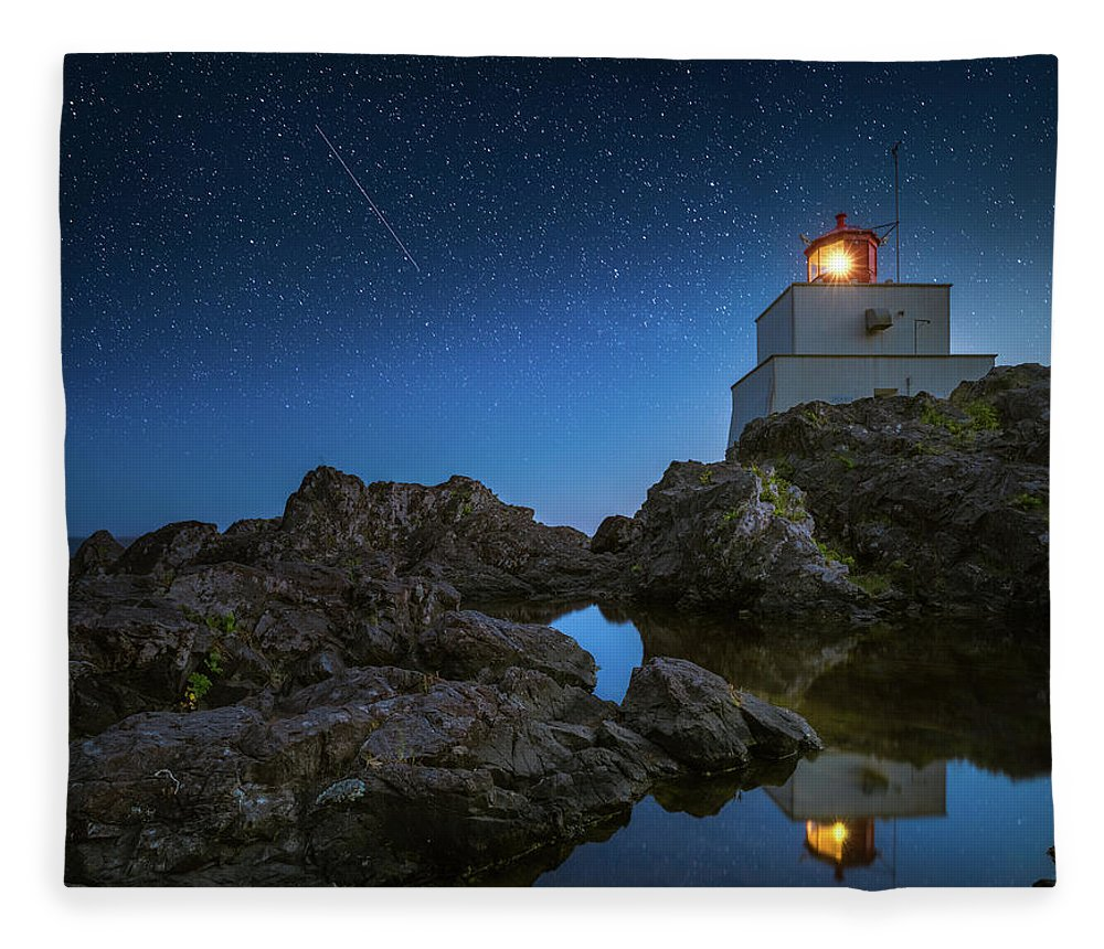 America Fleece Blanket featuring the photograph Amphitrite Point Lighthouse by William Freebilly photography